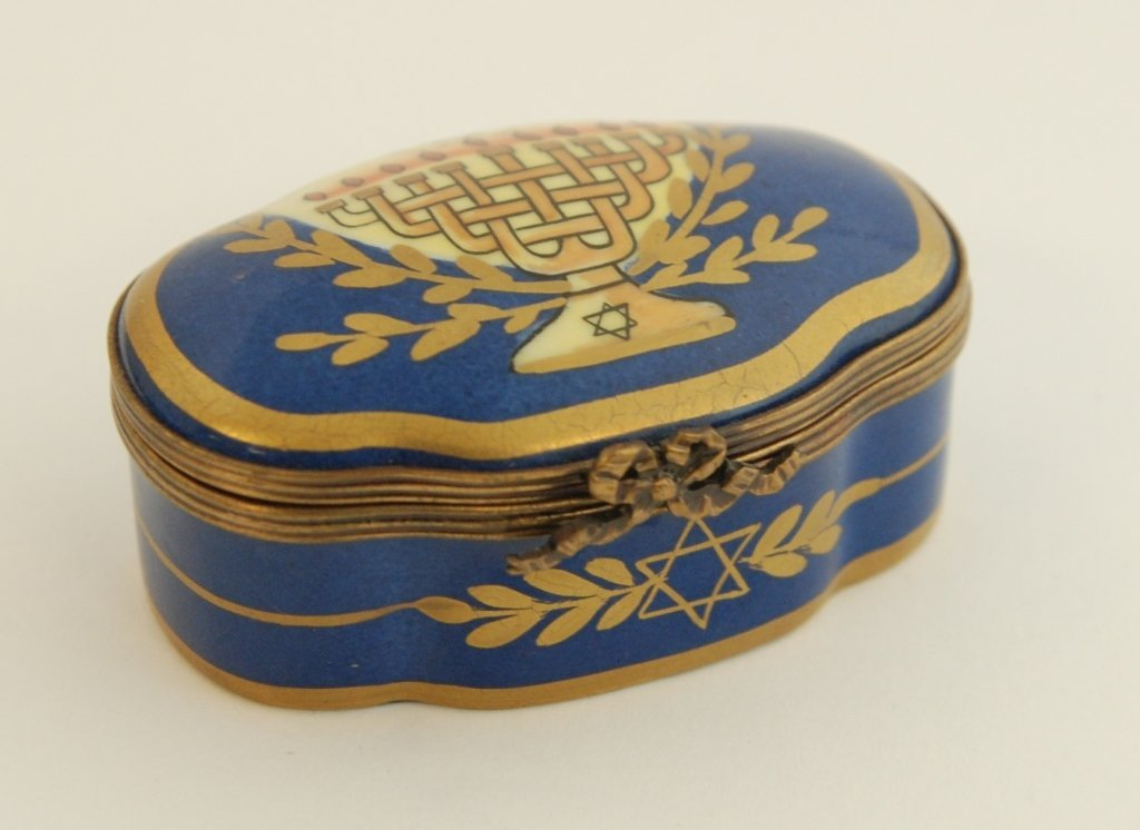 FIVE HAND PAINTED LIMOGES PILL BOXES