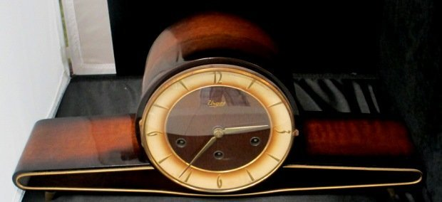 ART DECO MANTLE CLOCK 1920'S BY URGOS