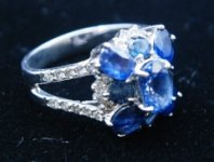 14K WHITE GOLD BLUE SAPHIRE WITH DIAMOND RING