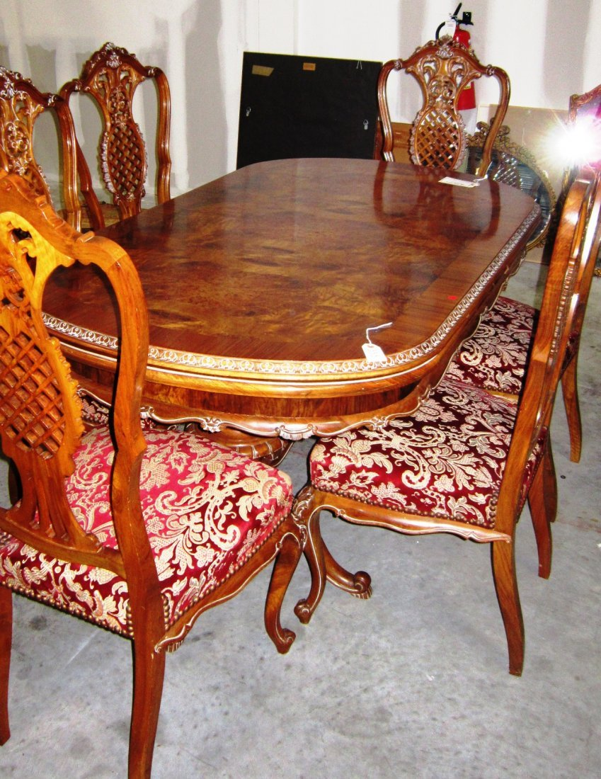 FRENCH STYLE LOUIS XV DINING TABLE WITH SIX CHAIR