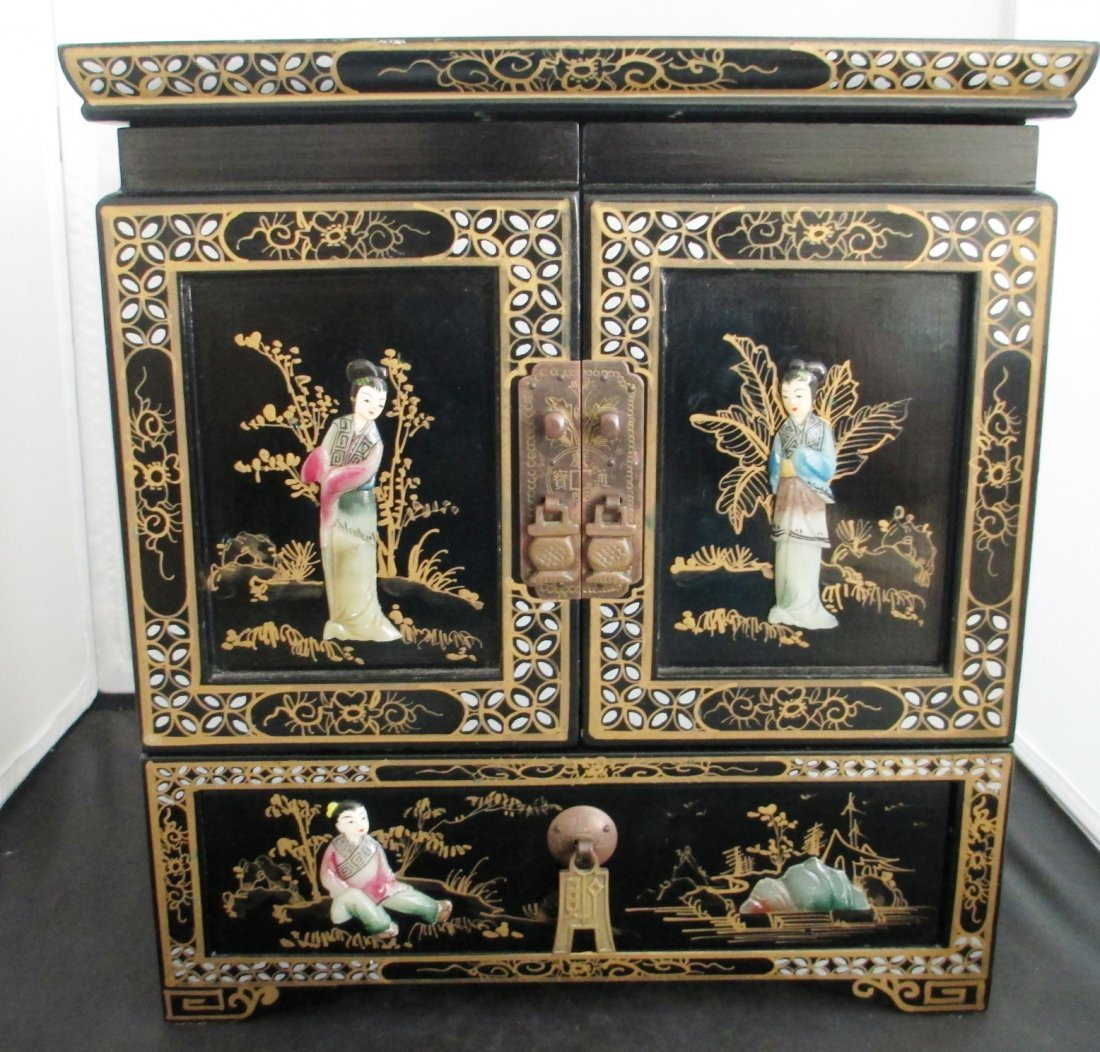 CHINESE LARGE JEWELRY BOX MOTHER OF PEARL Chinese