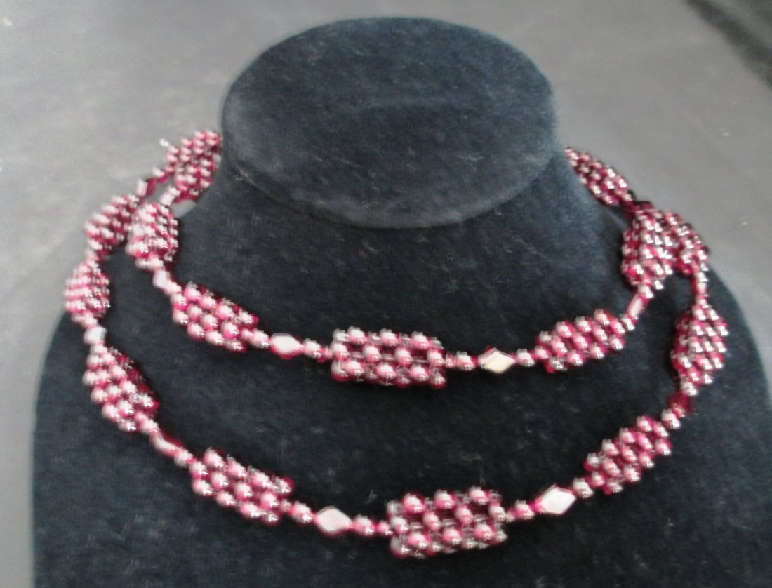 LADIES BERRY CLUSTER NECKLACE LENGTH 30 INCH Garnet