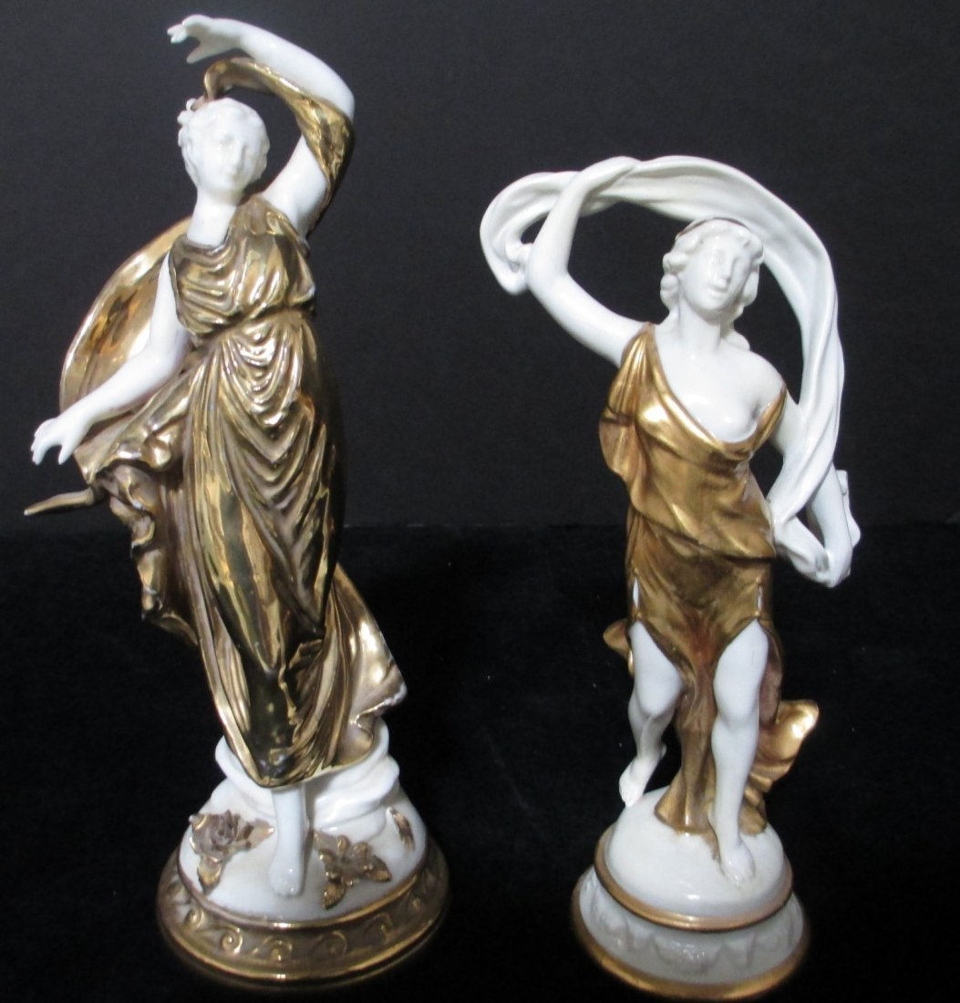 PAIR OF PORCELAIN AND GOLD CAPODIMONTE WOMEN Pair of