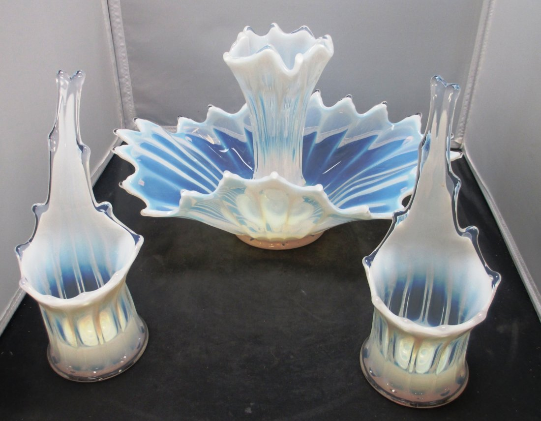 WESMORLAND 4 PC CANDLE STICK AND UPURN CENTERPIECE