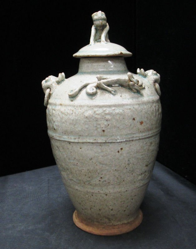 CHINESE SONG DYNASTY STYLE LIDDED VASE