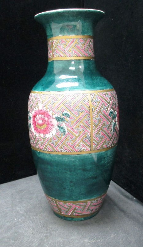 CHINESE CULTURAL PERIOD ROSE FAMILLE VASE