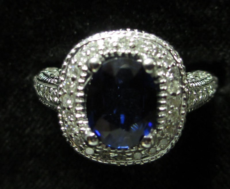 LADIES 14K WHITE GOLD AND SAPPHIRE RING