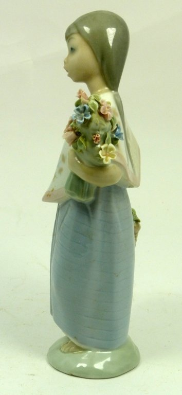 LLADRO GIRL WITH BASKET AND BOUQUET OF FLOWERS - 2