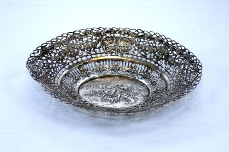 ORNATE AUSTRIAN RETICULATED STERLING SILVER TRAY