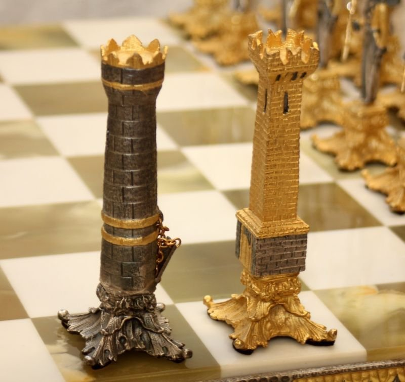 STUNNING WATERLOO NAPOLEONIC CHESS SET WITH BOARD - 8