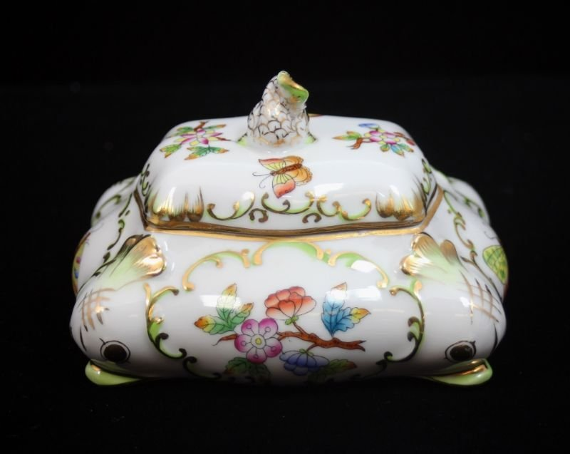HEREND HUNGARIAN PORCELAIN BUTTERFLIES BOX