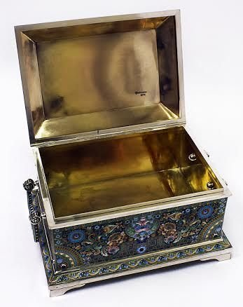 KHLEBNIKOV HUGE RUSSIAN ENAMELED SILVER BOX W/ MIN