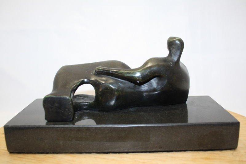 HENRY MOORE (1898-1986) BRONZE SCULPTURE