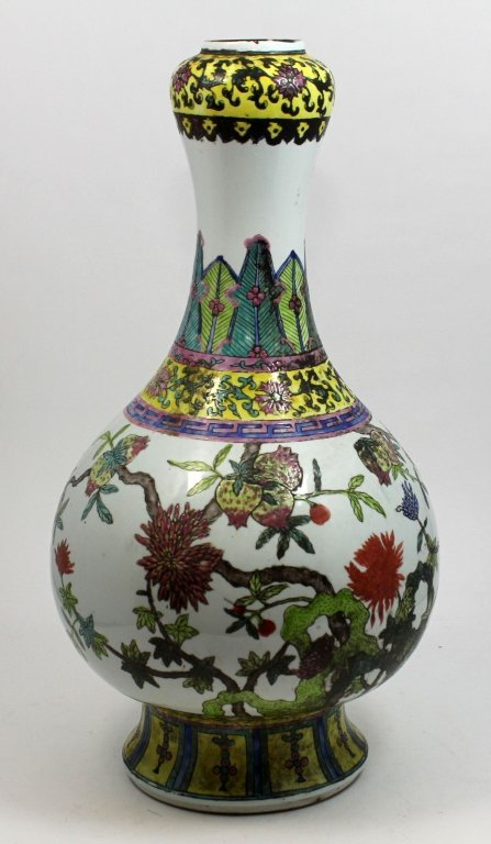 ANTIQUE CHINESE PORCELAIN POMEGRANATES VASE