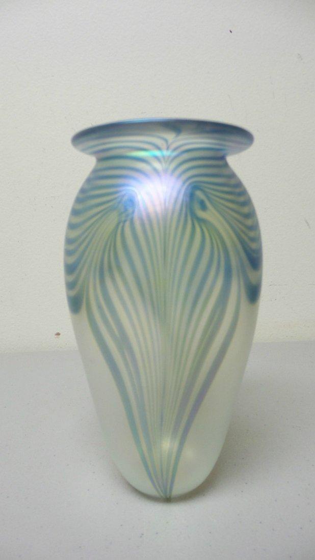 ROBERT EICKHOLT ART GLASS CLEAR IRIDESCENT VASE