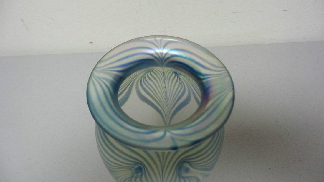 ROBERT EICKHOLT ART GLASS CLEAR IRIDESCENT VASE - 2