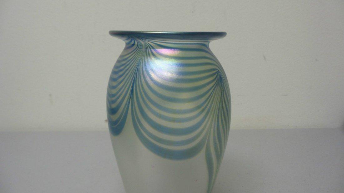 ROBERT EICKHOLT ART GLASS CLEAR IRIDESCENT VASE - 5