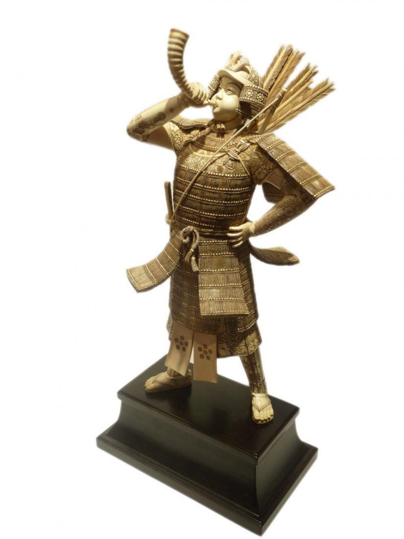 Mammoth Ivory  - Huge SAMURAI Blowing the trumpet