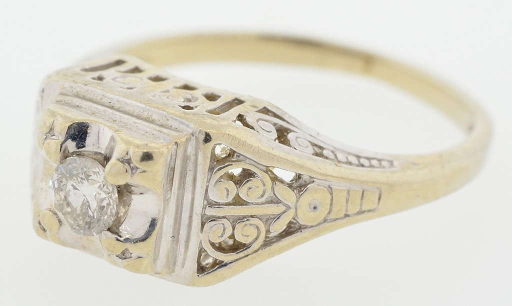 A VICTORIAN STYLE LADIES 14KT GOLD AND DIAMOND RING