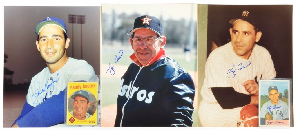A COLLECTION OF BASEBALL CARDS AND PHOTOGRAPHS INCLUDES