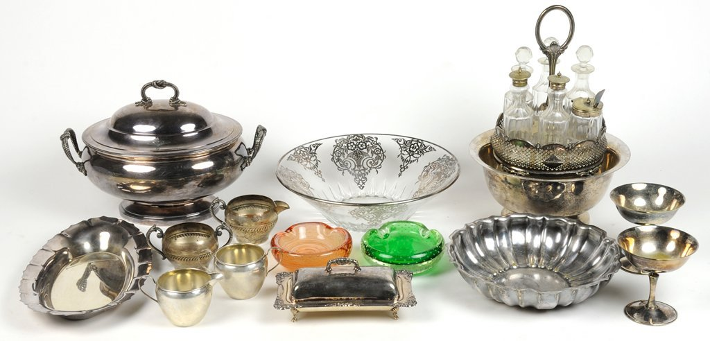 A GROUP OF SILVER PLATE AND VINTAGE GLASS ASHTRAYS