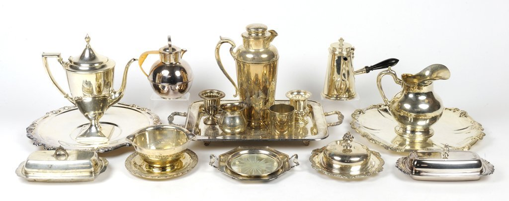 A LARGE GROUPING OF SILVER PLATE PIECES