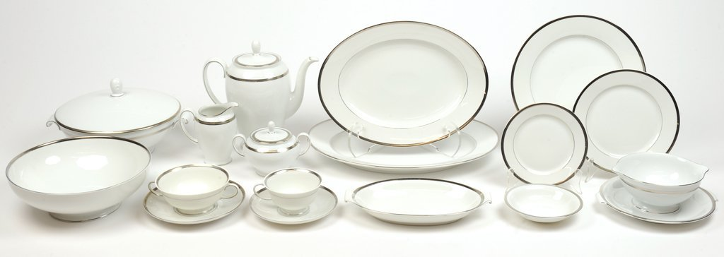 A COLLECTION OF VINTAGE ROSENTHAL CONTINENTAL NOBILITY