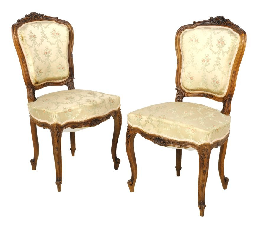 A PAIR OF LOUIS XV STYLE UPHOLSTERED SIDE CHAIRS