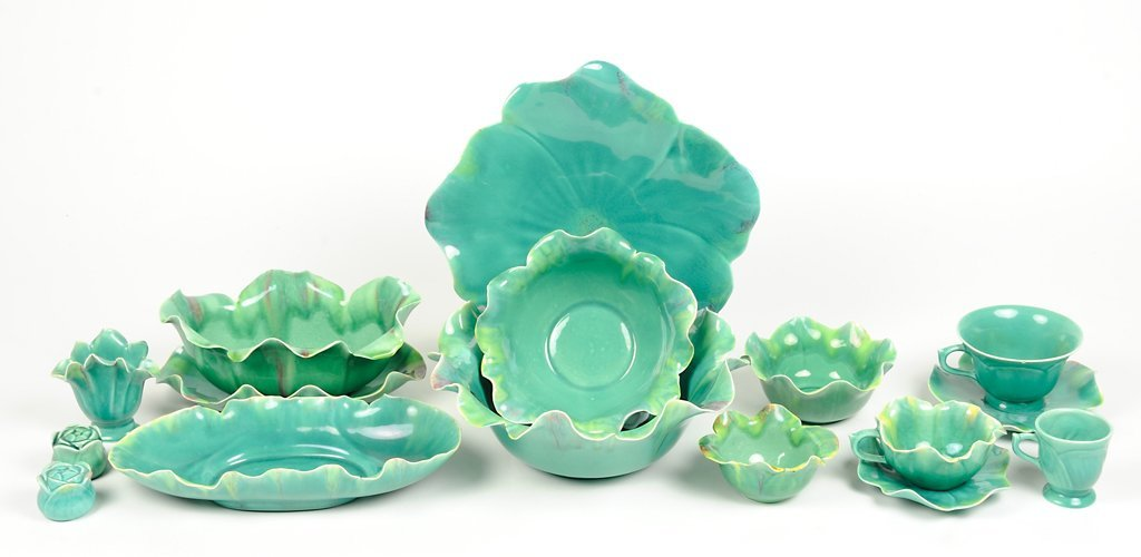 A VINTAGE SET OF CABBAGE GREEN CALIFORNIA GLAZED CERAMI