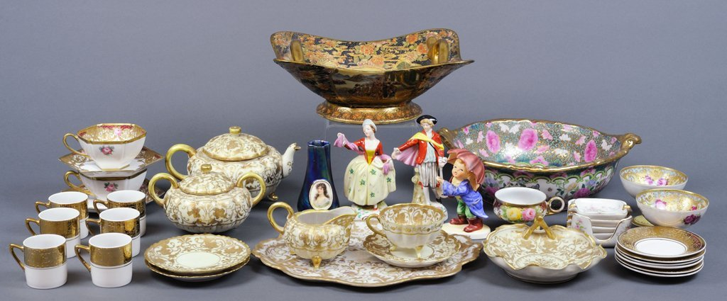 A GROUP OF ANTIQUE AND VINTAGE JAPANESE FINE CHINA INCL