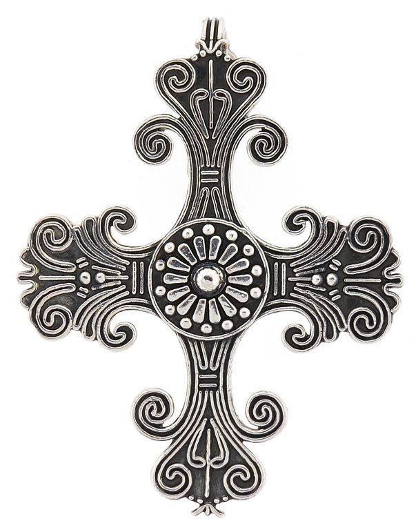 AN INCAN STYLE STERLING SILVER CROSS PENDANT
