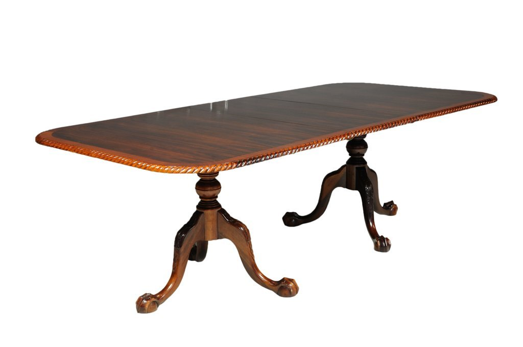 A CHIPPENDALE STYLE PEDESTAL TABLE