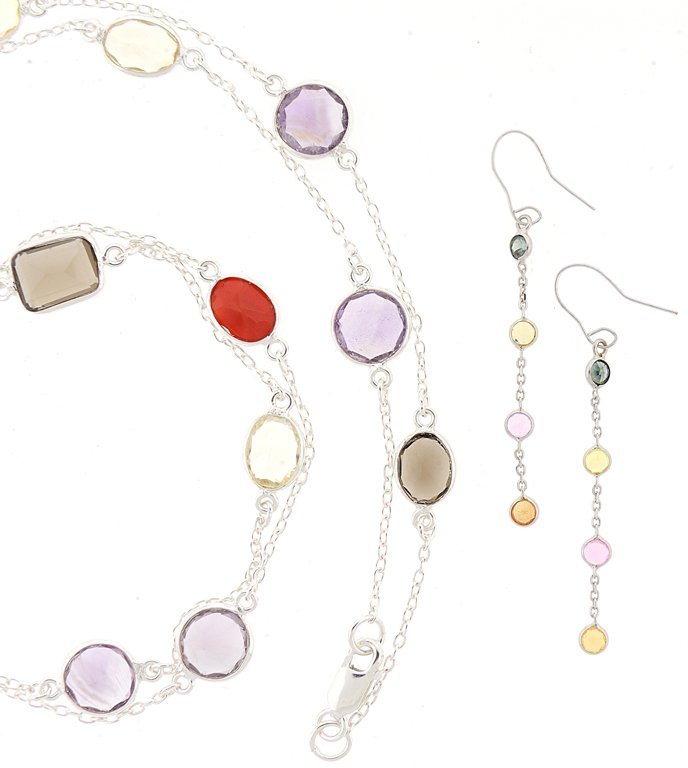 A MULTICOLOR NECKLACE AND EARRINGS BEZEL SET IN