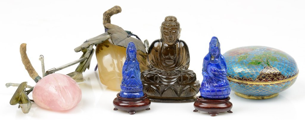 A COLLECTION OF SEMI-PRECIOUS HARDSTONE ASIAN FIGURES