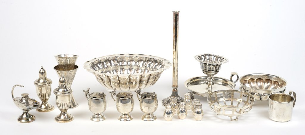 A VARIETY OF MEXICAN SILVER PIECES