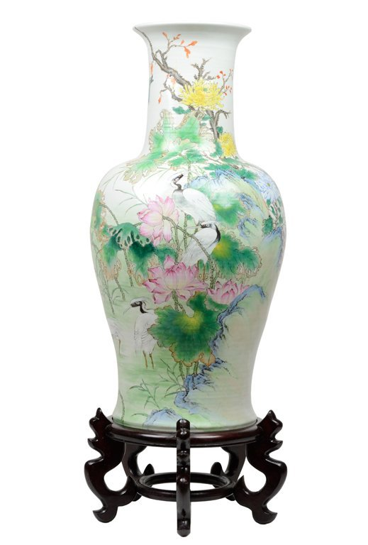 AN EXQUISITELY ENAMELED FLOOR VASE OF A CLASSICAL