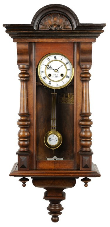 A NEOCLASSICAL STYLE HANGING REGULATOR WALL CLOCK WITH