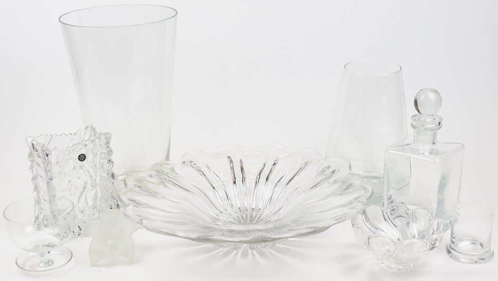 A GROUPING OF NINE PIECES OF CRYSTAL AND GLASSFrom the