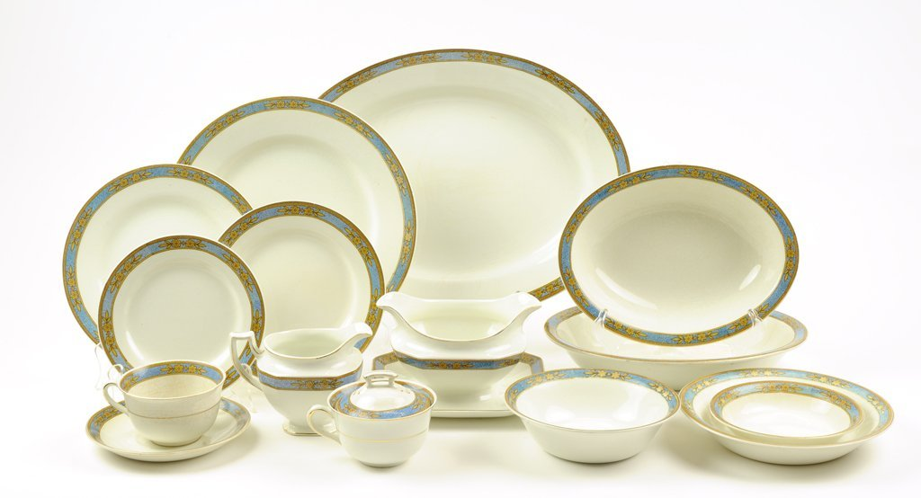 """A J&G MEAKIN BLUE AND GOLD """"SOL"""" CHINA PARTIAL DINNER"""