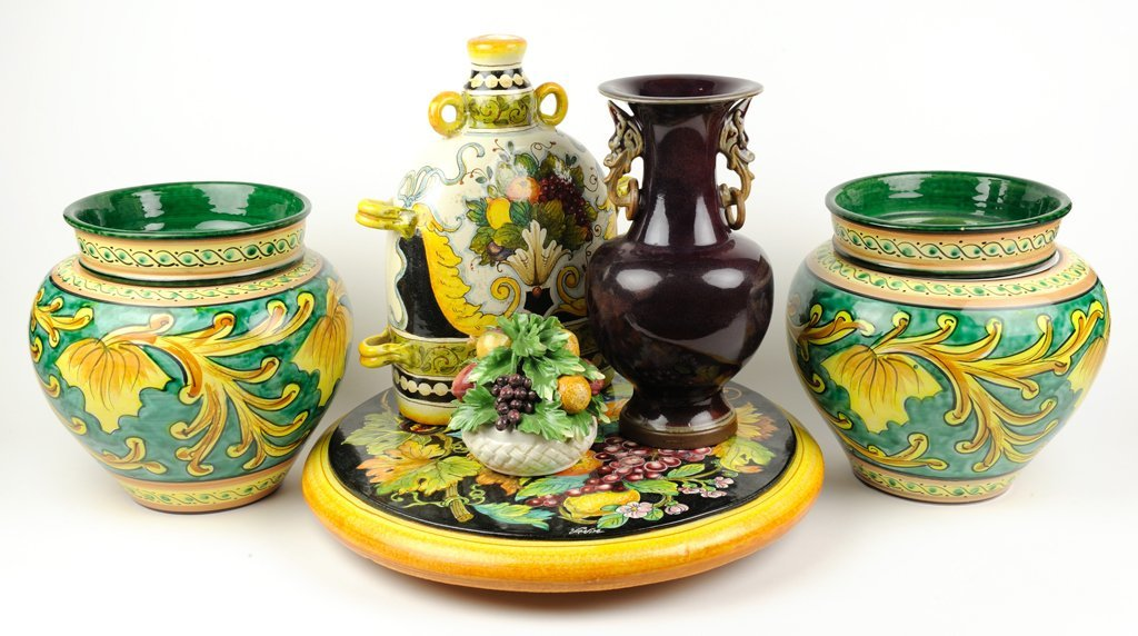 A GROUP OF ITALIAN POTTERY 6 pieces total.