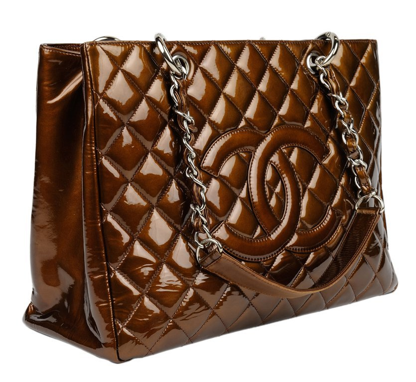 A CHANEL BRONZE QUILTED PATENT LEATHER TOTE BAG