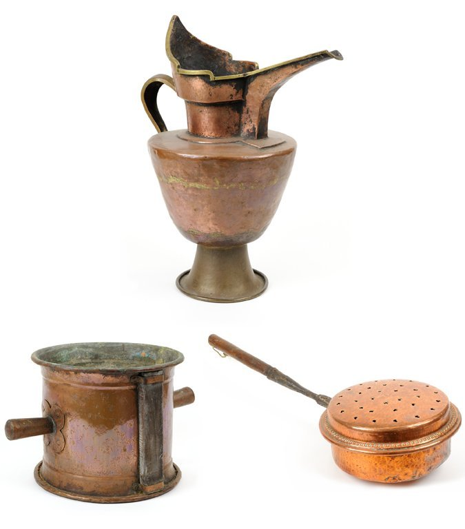A GROUP OF THREE COPPER KITCHEN ARTICLES
