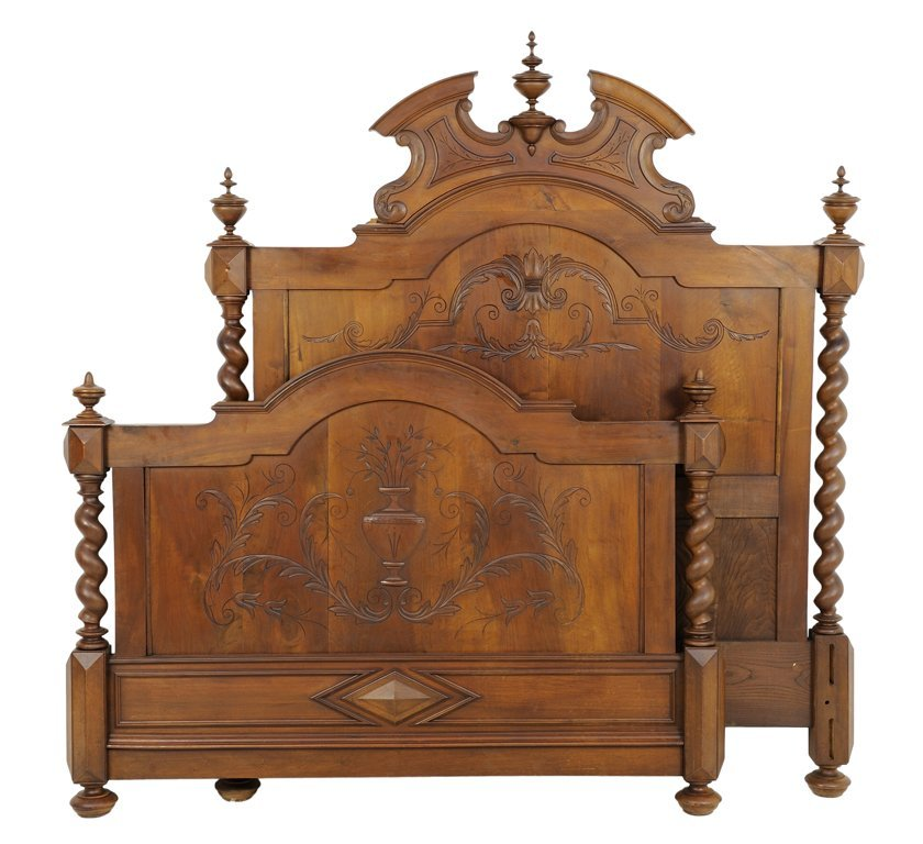 A FRENCH BAROQUE REVIVAL WALNUT BED