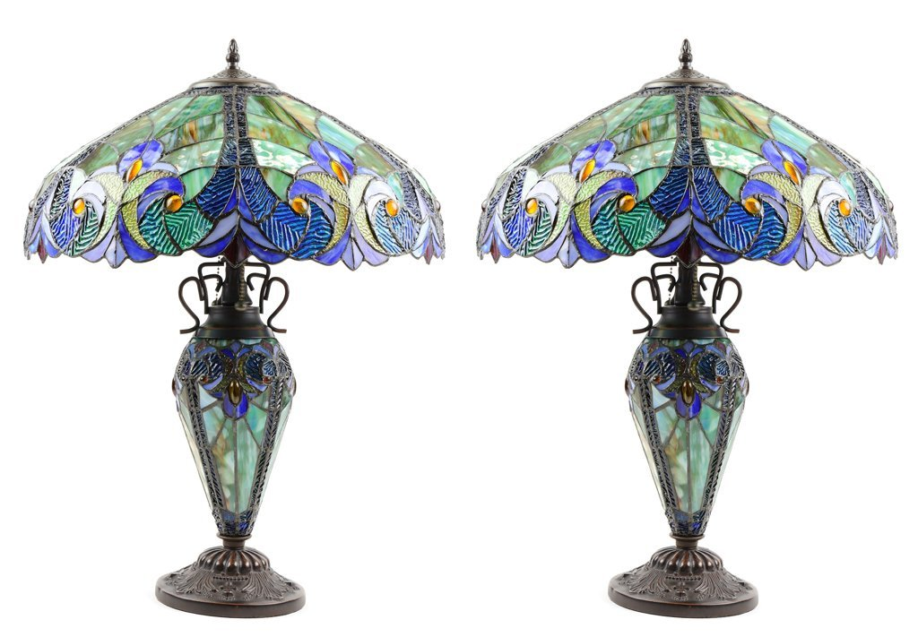 A PAIR OF ART NOUVEAU STYLE LEADED GLASS TABLE LAMPS