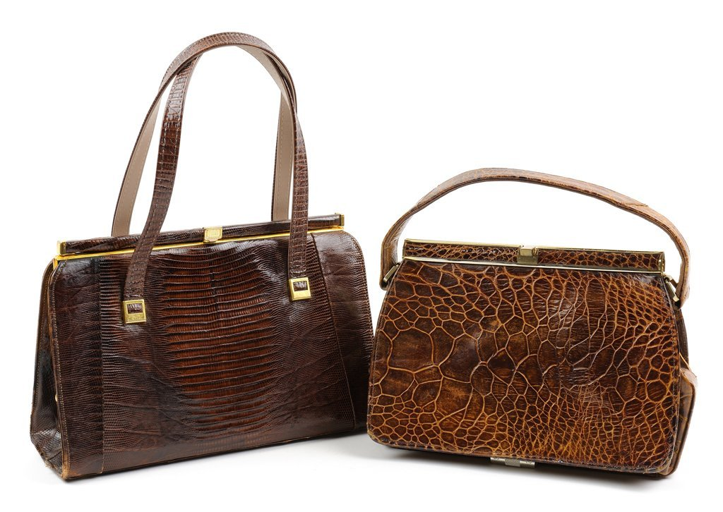 A GROUP OF TWO VINTAGE HANDBAGS