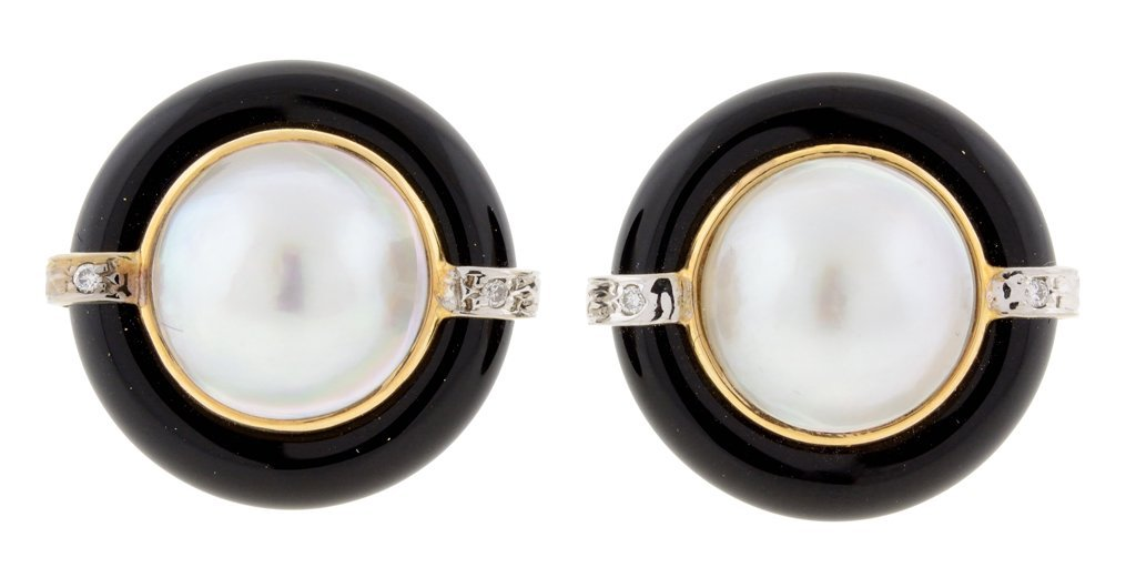 A PAIR OF 14K YELLOW AND WHITE GOLD, ONYX, DIAMOND, AND