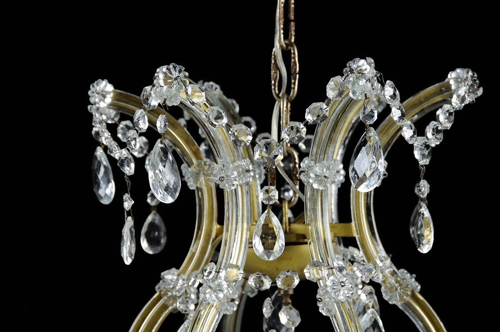 A MARIA THERESA STYLE CASED GLASS EIGHTEEN-LIGHT - 3