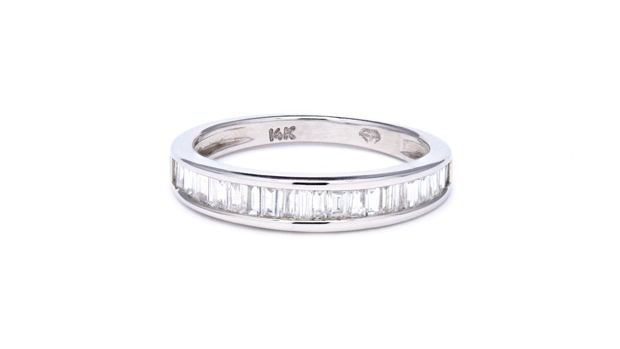 A BAGUETTE DIAMOND BAND IN WHITE GOLD