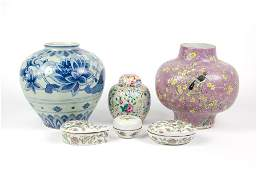 A GROUP OF SIX CHINESE PORCELAIN ARTICLES