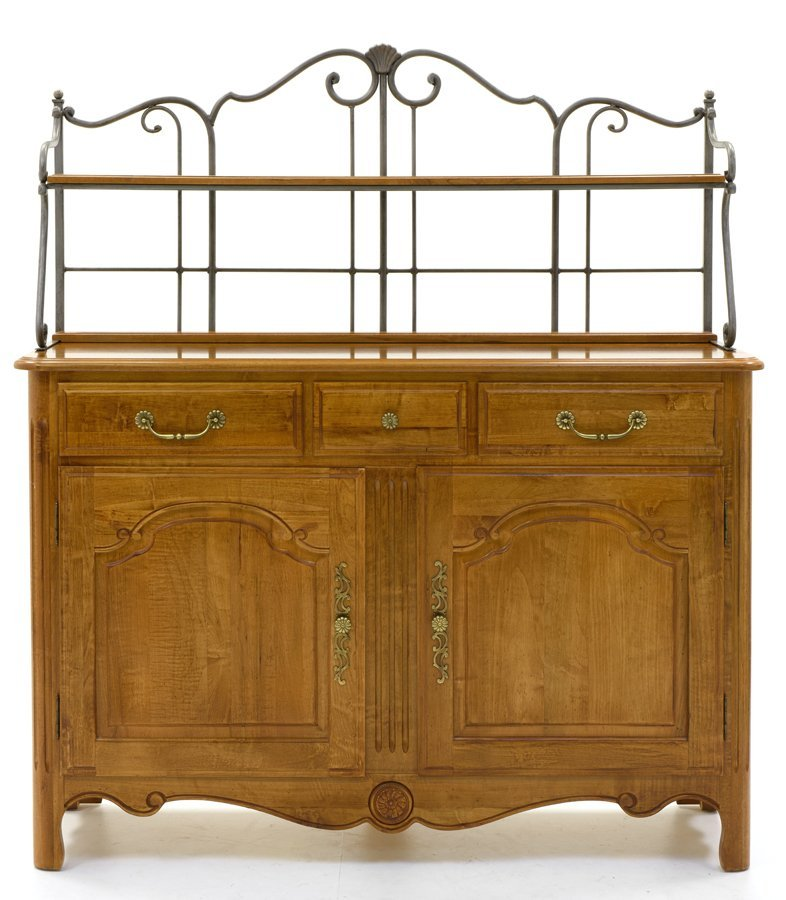 AN ETHAN ALLEN SIDEBOARD WITH IRON DISPLAY RACK - 2